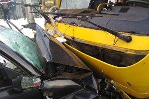 Жуткая авария в Мариуполе: появились фото
