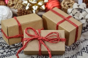 Престарелый мужчина дарил жене один и тот же подарок 39 раз подряд