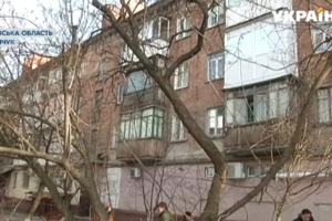 В Кременчуге жильцов многоэтажки заставили зимовать без крыши