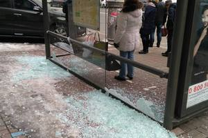 In the center of Kiev smashed a bus stop