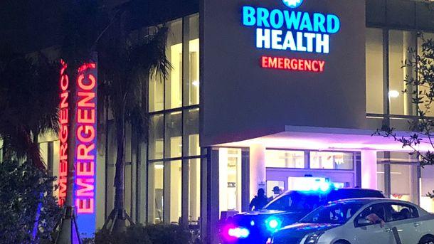 Жертвами стрельбы в школе во Флориде стали 17 человек