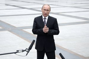 Putin seized the Crimea after hitting the ground: truth or fiction