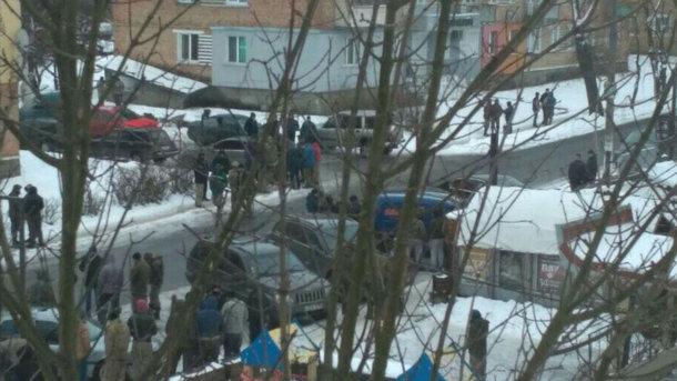 Массовые беспорядки в Ровенской области: травмированы пятеро полицейских