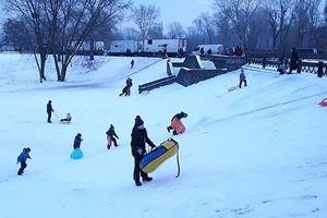 Где в Киеве покататься с ребенком на санках