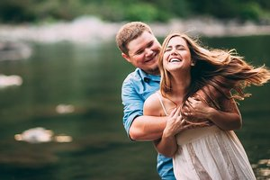 Хороший секс в отношениях повышает риск измены партнера: необычное исследование
