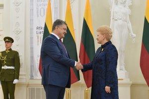 Порошенко начал визит в Литву