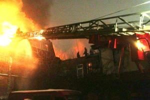 В Харькове горел жилой дом: спасатели эвакуировали людей