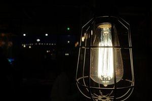Космические счета за электроэнергию привели к конфликту в Мариуполе