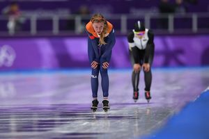 Dutch speed skater ahead of the triple Olympic champion at the distance of 5 thousand meters