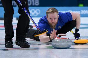 Керлинг на Олимпиаде: норвежцы снова в новых штанах, шведы бьют фаворитов
