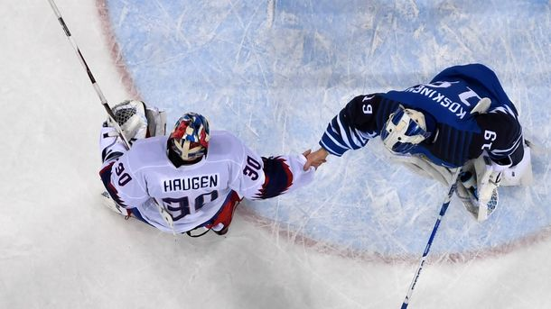 Спортсменам наОИ запретили рукопожатия— Хоккей скулаками