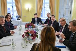Poroshenko and Juncker discussed the new tranche of aid to Ukraine
