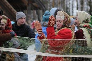 Масленичные гулянья в Киеве в самом разгаре: чем удивляют в этом году