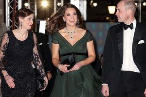 Изысканное платье и бриллианты: беременная Кейт Миддлтон произвела фурор на BAFTA