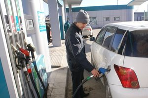 Over the weekend in Ukraine dropped the price of gasoline