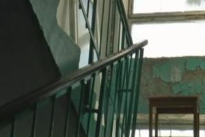Жильцы запорожской пятиэтажки третий год живут практически без крыши