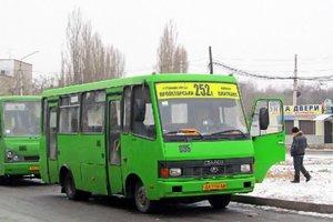 В Харькове грабители атаковали маршрутчика: задерживали пассажиры
