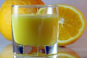 Ученые рассказали, почему нельзя пить сок утром
