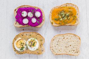 С чем подавать тосты: ТОП-5 идей для завтрака