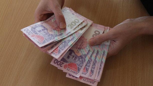 Сколько зарабатывают украинцы и за счет чего вырастут их зарплаты до конца года