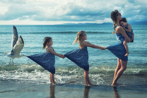 The father of four children makes everyday photos into real fairy tales
