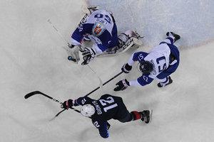 США разгромила Словакию на пути к 1/4 финала хоккейного турнира на Олимпиаде-2018
