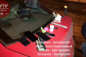 Gun, drugs and stolen phones: in Kiev stopped a suspicious car
