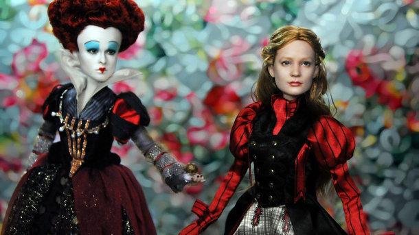 Работы Ноэля Круза. Легендарный художник делает из фабричных кукол знаменитостей. Стирает краску с лица и «рисует» новое. Фото: www.ncruz.com