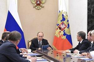 Путин на заседании Совбеза обсудил ситуацию на Донбассе
