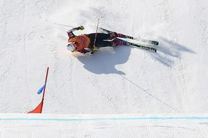 Fracture of the pelvis, tibia, a concussion at the Olympics serious injuries in ski cross