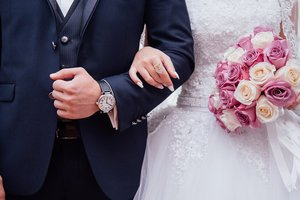 Ukrainians are getting married late: why do people run away from marriage