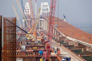 Риск для тысяч жизней: эксперт предупредил о катастрофе на Крымском мосту