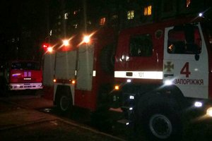 In the Zaporozhye rescuers in the hand carried from the burning house of the person with disabilities