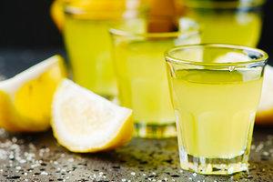 Как приготовить итальянский ликер лимончелло