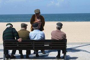 Scientists told how harmful help elderly people