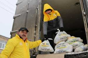 More than 11 thousand food packages delivered mobile volunteers in March to Donbass