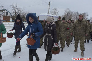 Rose petals and tears: Zhytomyr region said goodbye to the deceased in the Donbass nurse
