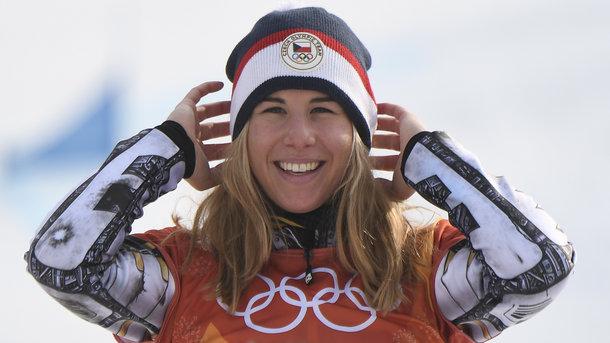 Чешская сноубордистка Эстер Ледецкая завоевала золотую медаль Олимпийских игр вгигантском слаломе