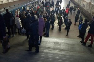 In the Kharkiv subway train stopped for 40 minutes