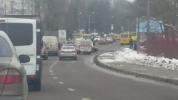 ВоЛьвове пассажир автобуса напал надругого и грозил пистолетом