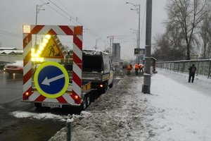 Bad weather in Kyiv: snow in the capital, removed about 290 pieces of equipment