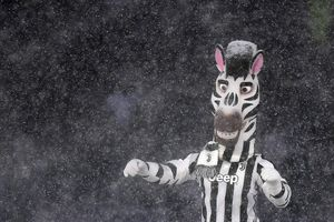 The match with Juventus in the Italian League tore snowing