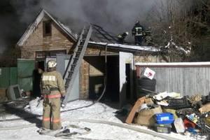 Под Киевом двое мужчин сгорели в гараже
