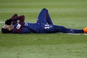 У самого дорогого футболиста мира треснула кость