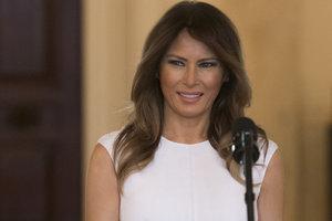 Мелания Трамп в нежном платье за две тысячи долларов выступила с речью в Белом доме