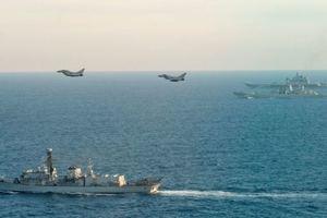 """Россия делает из Крыма """"непотопляемый авианосец"""" - военный эксперт"""
