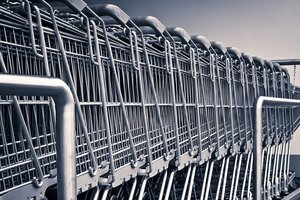 Suffering from what Ukrainian consumers: high prices and expired goods