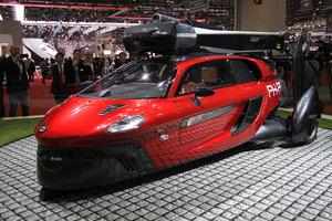 В Женеве показали первый серийный летающий автомобиль: фото
