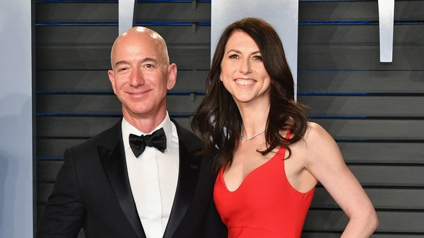 Джефф Безос и его жена Маккензи