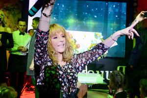 В шортах и шляпе: Алла Пугачева устроила вечеринку в караоке-клубе Филиппа Киркорова